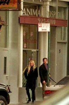 Carolyn Bessette Body | ... his body posture in the second photo, he is not happy about it