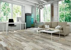 The #wood #flooring #trend that is sweeping in interior design. In the picture, Origen Miel series. #tiles #ceramics #interiordesign #livingrooms