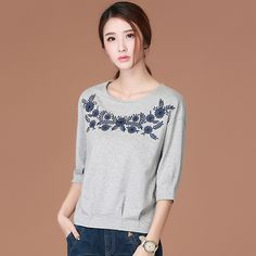 2017 New Spring The Folk Style Embroidery Seven Shirt Female Blouse Sleeve Sweater WTX001