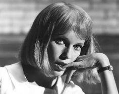 "DISCOVER for All Library Resources: ""Rosemary's Baby"" Mia Farrow 1968 Paramount **I.V"