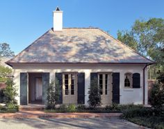 Ken Tate Architect - facade on a small house Creole Cottage, Cottage Style, French Colonial, Cottage Exterior, Brick Cottage, French Cottage, Deco Design, The Ranch, Little Houses