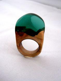 © Atelier de Jade  Resin and precious wood ring