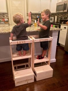 Child Kitchen Helper Step Stool Toddler Stool Tot Tower - Mae Home Carpentry Projects, Home Projects, Articles Pour Enfants, Ideas Habitaciones, Learning Tower, Diy Stool, Kitchen Helper, Kitchen Stools, Child Safety