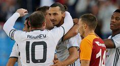 Ibrahimovic se estrena en el Manchester United con un golazo