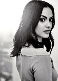 ((Camila Mendes)) My name is Veronica Lodge, I'm 17 and new to this town. I came from New York with my mother. I can be a bit of a snob, but I try to be as nice as I can. Come talk, I don't bite