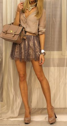 If Icould ever tone up my legs, I would wear this! Love the skirt, Love the top. Colors are perfect!! #fashion #style