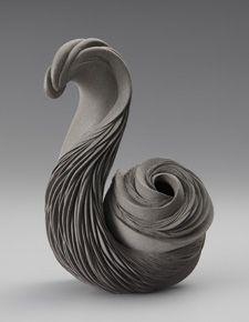 works by Tomomi Tanaka.. ... @ivannairem .. https://tr.pinterest.com/ivannairem/ceramics-pottery-ll/