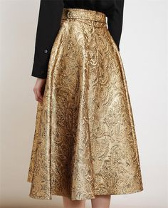 Gold! The return of the midi/ankle-lenght skirts http://sulia.com/channel/fashion/f/bca3b58d-42e7-4f31-8c09-112d52924d34/?source=pin&action=share&btn=small&form_factor=desktop&pinner=124969623