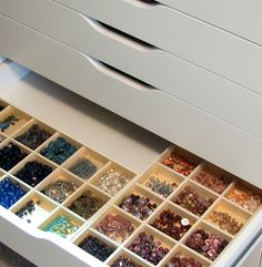 craft table for beading | This seems to be the best bead storage solution for me to date ...