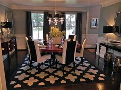 dramatic and graphic dining room rug Dining Room Inspiration, Home Decor Inspiration, Color Inspiration, Decor Ideas, Beautiful Dining Rooms, Dream Rooms, Dining Room Design, Sweet Home, New Homes