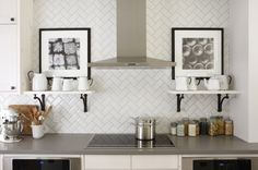 the-great-design-of-the-subway-tile-backsplash-with-the-white-color-of-the-tile-backsplash-and-the-storage-with-accessories-and-picture-frame-also-the-gray-countertop-of-cabinet-728x484.jpg 728×484 pixels
