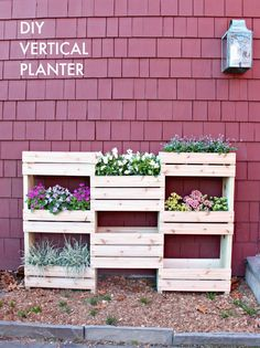 Get the building plans for this DIY Vertical Planter!