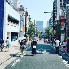 Tokyo Street View. #walking #tokyo #japan #201605 #shotoniphone6