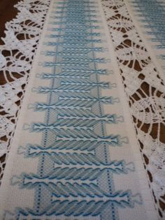 87 Best vagonite images in 2020 Swedish Embroidery, Types Of Embroidery, Cross Stitch Embroidery, Hand Embroidery, Bargello Patterns, Needlepoint Patterns, Doily Patterns, Swedish Weaving Patterns, Chicken Scratch Embroidery