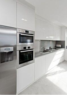 Awesome White Kitchen Cabinets Decor Ideas For Farmhouse Style Design Kitchen Room Design, Modern Kitchen Cabinets, Kitchen Cabinet Design, Modern Kitchen Design, Home Decor Kitchen, Kitchen Interior, New Kitchen, Kitchen White, Modern White Kitchens