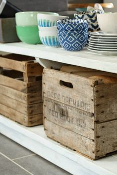 Love these super great tips for storage in the kitchen using vintage finds. Some great organizing inspiration.