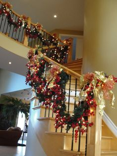 16 awesome christmas stairs decoration ideas for mom