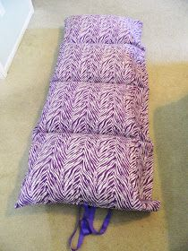 The Craft Mess: Tutorial: Pillowcase Sleep-mats - might make the hospital bed more comfortable
