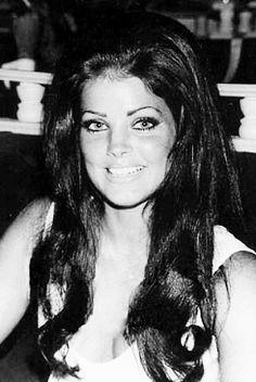 Priscilla Presley...before plastic surgery ruined her.