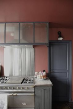 Marsala - colour of the year 2015 Pantone. Pantone 2015, Marsala Pantone, Pantone Color, Terracota, World Of Interiors, Apartment Kitchen, Kitchen Interior, Loft, Interior Architecture