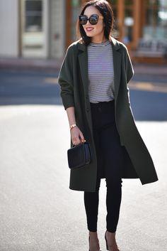 Negro + rayas + verde oscuro = sofisticación. Ideal para un look de oficina.  https://www.instagram.com/daniregis.imagenpersonal/