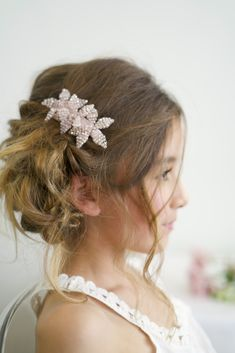Sienna Likes to party designer accessories for girls specialise in hand made crystal and pearl hair clips, headbands, hair garlands and luxury childrens jewelry. Hair Garland, Girls Hair Accessories, Bridal Flowers, Pink Hair, Girl Hairstyles, Bridal Jewelry, Hair Clips, Luxury Hair, Pearl Hair
