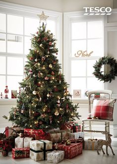No festive season is complete without Christmas trees, so check out our full sel… The small attention to the absolute most intimate party of the year Eieiei, the Xmas party is nearin – newyearsparty. Tesco Christmas, Small Christmas Gifts, Holiday Tree, Christmas Love, Christmas Colors, Rustic Christmas, Xmas Tree, Holiday Decor, Scandinavian Christmas Trees