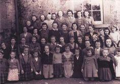 Το παλιατζίδικο των αναμνήσεων: Το παλιό Ελληνικό Σχολείο Old Photos, Greece, My Love, School, Children, Movies, Movie Posters, Old Pictures, Greece Country