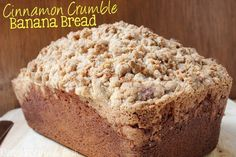 Cinnamon Crumble Banana Bread | EverydayMadeFresh.com