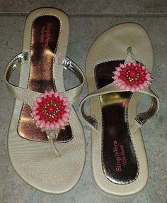 Simply Vera Vera Wang thong style floral wedge sandals size L (9-10) #SimplyVeraVeraWang #PlatformsWedges