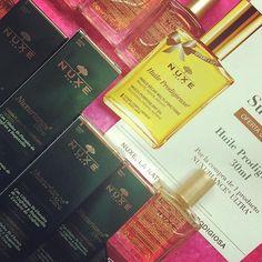 Nuxuriance Ultra ya está disponible en Orlaïs. Y con cualquier producto de la línea, 1 Huile Prodigieuse 30ml de REGALO!! #nuxe #nuxurianceultra #orlais #orlaisap #huileprodigieuse #regalos Cover, Instagram Posts, Shopping, Budget, Presents, Laughing