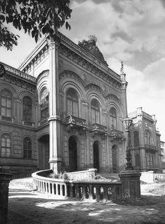 Budapest, A Krisztina-körúton lebontott Karácsonyi Palota. Balogh Rudolf felvétele (1936)