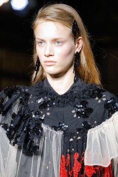 Simone Rocha Spring/Summer 2018 Ready To Wear | British Vogue
