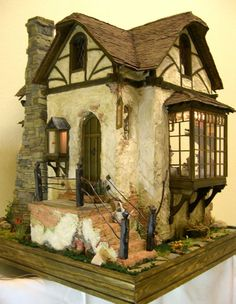 http://www.eifel-minis.de/html/pole_poppenspaeler.html Re-pinned from Doll houses by chrissy s