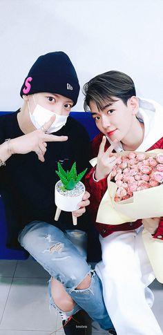 Chanbaek Fanart, Exo Chanbaek, Exo Ot12, Baekhyun Chanyeol, Park Chanyeol, Shinee, Scenery Wallpaper, Exo Memes, Kpop Exo