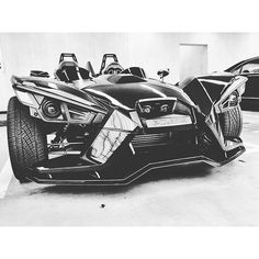 Polaris Slingshot : 3-Wheel Motorcycle - Reverse Trike