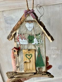 Wooden Christmas Trees, Christmas Crafts, Decoupage Wood, Ethnic Home Decor, Beach Wood, Country Paintings, Driftwood Art, Diy Mask, Paper Clay