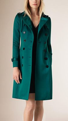 Sweet green coat for winter Trench Coat Outfit, Coat Dress, Peplum Coat, Coats For Women, Jackets For Women, Victorian Coat, Stylish Coat, Plaid Coat, Western Wear