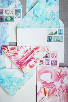 I was skeptical when Lauren told me about marbling paper with food coloring and shaving cream. How can you possibly get those gorgeous swirly patterns with just pantry and bathroom items?!It seemed either too complicated to try or too good to be true. But I'm always up for a challenge or to debunk