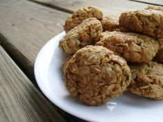 3/4 cup peanut butter (or other nut butter) 2 Tablespoons honey 1 – 1 1/2 cups of oatmeal 375 for 10 minutes