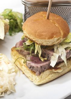 #Recetas de #hamburguesas originales: De atún rojo con aderezo de sésamo y mayonesa de soja.  #cooking #burguer #food