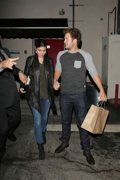 Jamie-Lynn Sigler Photos - Jamie Lynn Sigler and Cutter Dykstra Out to Dinner - Zimbio