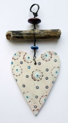 Wonderful Cost-Free air dry Clay hearts Concepts Delightful Hang Up – Heart 1 Clay Projects, Clay Crafts, Diy And Crafts, Arts And Crafts, Clay Christmas Decorations, Christmas Crafts, Handmade Christmas, Driftwood Crafts, Heart Crafts