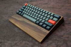 The wood! That wood though!? #keyboards #pcstuff