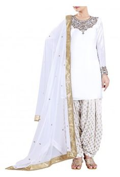 Lashkaraa White and Gold Punjabi Suit