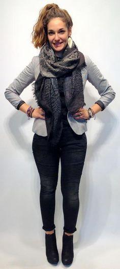Die neuen Black&White Looks der Herbst/Winter Saison sind die idealen Begleiter. Sogar im Büro macht sich ein Trendblazer mit unifarbenem Shirt super!