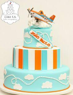 Planes Cake / Bolo Aviões Disney  www.facebook.com/CakeS.A.1