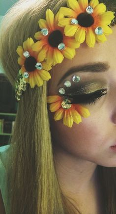 sunflower crown makeup