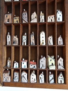 Printers tray full of ceramic houses all shapes and sizes. Clay Projects, Clay Crafts, Arts And Crafts, Clay Houses, Ceramic Houses, Miniature Houses, Art Houses, Ceramic Pottery, Ceramic Art