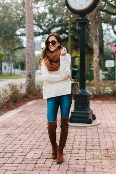 Styling the cutest pom pom sweater under $100 with some amazing warm neutral items today on the blog! It's one of my favorite looks lately!